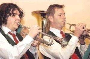 Mit klassischen Melodien und Märschen überzeugte die Kapelle des Musikvereins Talheim ihr Publikum bei der Winterfeier. Foto: Uwe Mundt